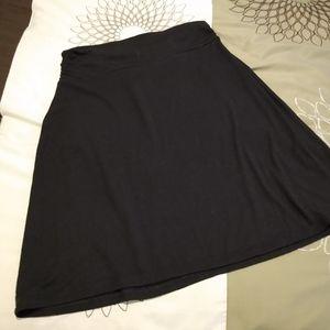 3/$15 Size 4/6 Faded Glory stretch black skirt